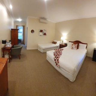 Room 9 panorama