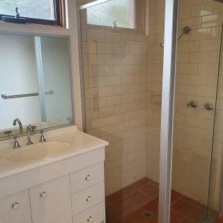 TL Classic Room bathroom pic